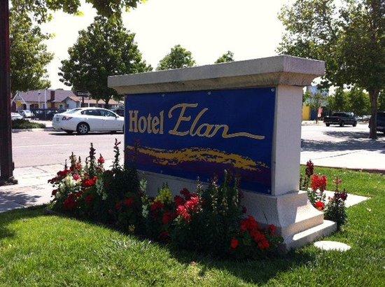 Hotel Elan: Exterior