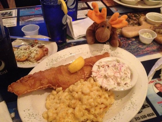 Keuka Restaurant: Who can resist a Fish Fry with Mac n' Cheese