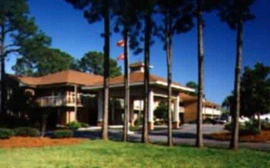 America's Best Inn Beaufort: Exterior