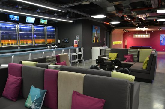 Aloft Brussels Schuman Hotel: Le bar