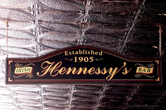 Hennessy's Irish Bar: Irish Hennessy's Bar