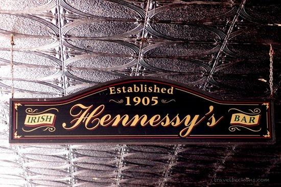 Hennessy's Irish Bar : Irish Hennessy's Bar