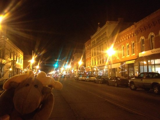 Finger Lakes Wine Country: Main Street Penn Yan at night