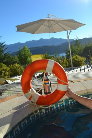 Casa del Bosque Aparts & Suites: feo lugar para una piscina
