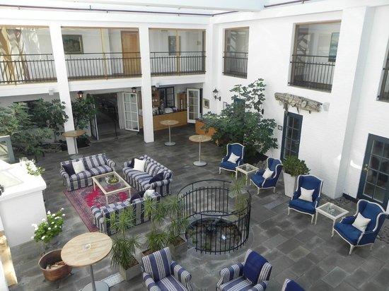 Hotell Gasslingen: atrium lobby area