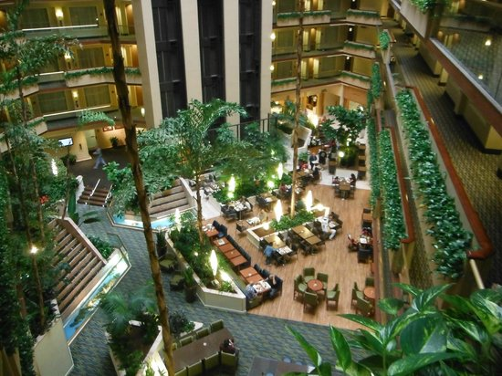 Embassy Suites by Hilton Irvine - Orange County Airport: Zona de comedor