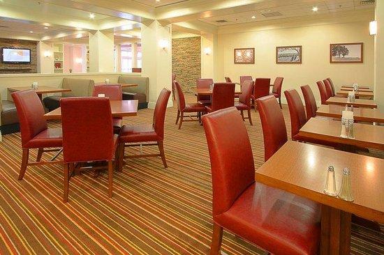 Four Points by Sheraton York : Restaurant