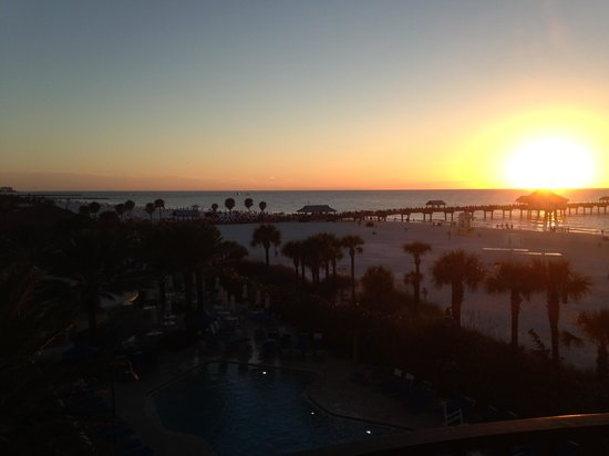 Hilton Clearwater Beach Resort & Spa : View from our balcony on the third floor