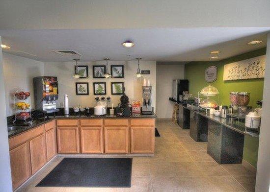 سليب إن جراسونفيل: Breakfast Area