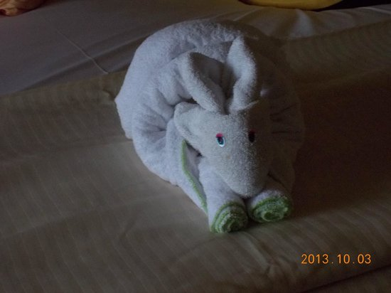 Grand Sunset Princess All Suites Resort : Towel Animal