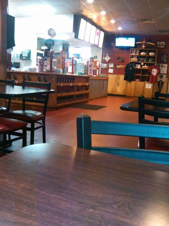 Billy Sims BBQ: Almost closing time.