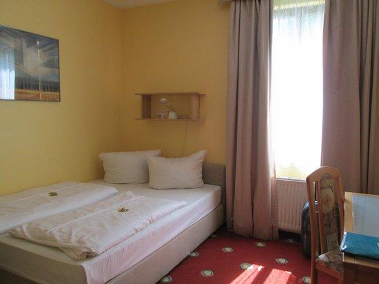 Das Golden Leaf Hotel Perlach Allee Hof: comfy bed