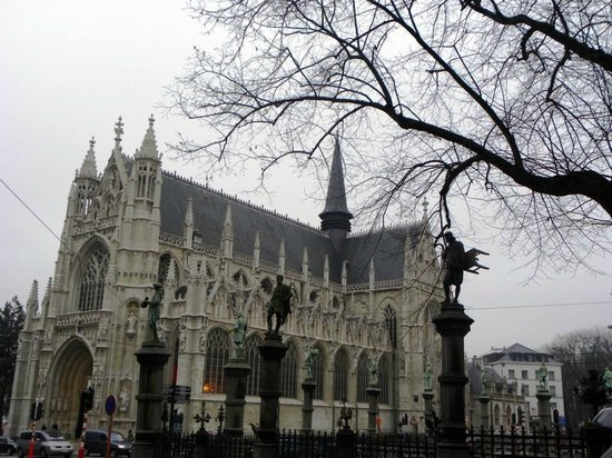 Notre Dame du Sablon: Notre-Dame du Sablon - vista externa