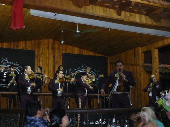 Casa Bariachi: The Mariachi in full flow.
