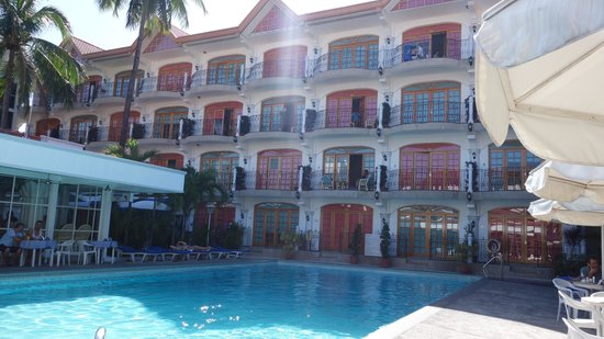 Clarkton Hotel: pool area