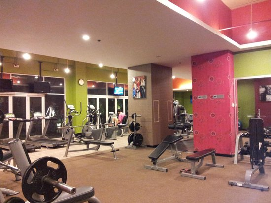 Clark Hatch Fitness Center Picture Of Solo Paragon Hotel Residences Tripadvisor
