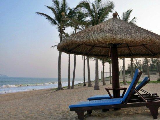 Sheraton Sanya Haitang Bay Resort : quiet beach