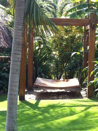 "Mia Resort Mui Ne: Private twin ""Look at the stars"" hammock"