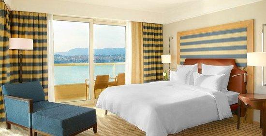 Le Meridien Lav Split: Presidential Suite Master Bedroom