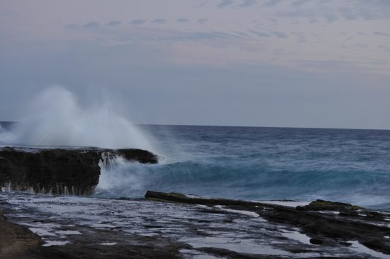 Oahu Photography Tours : Crashing wave