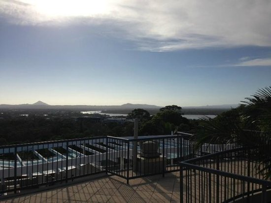 Noosa Blue Resort: View from the private rooftop spa area