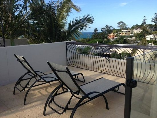 Noosa Blue Resort: View from other side of the private rooftop spa area