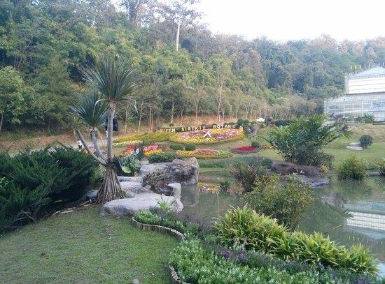 Queen Sirikit Botanic Garden: The surrounding