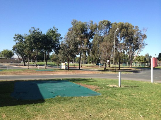 Echuca Holiday Park: powered sites