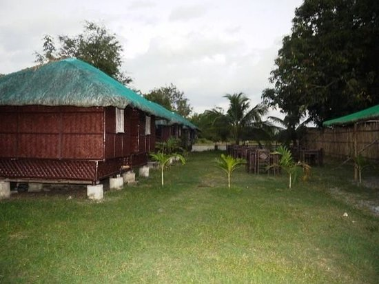 Jaydees kubo huts with wifi and cable tv