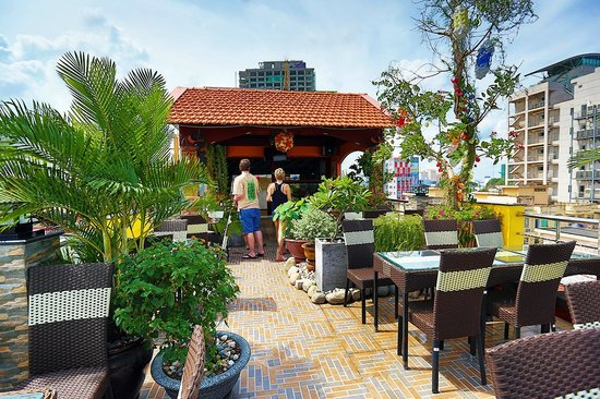 Duc vuong hotel the view rooftop bar picture of for The terrace cafe bar
