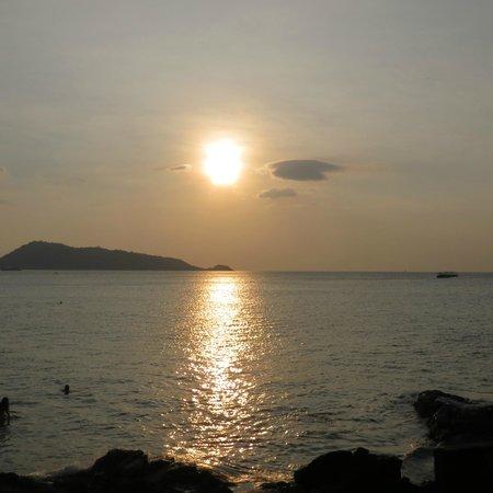 Patong Beach: sunset