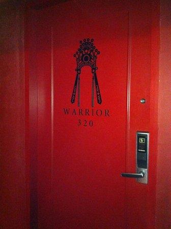 Santa Grand Hotel Lai Chun Yuen: Door to our room