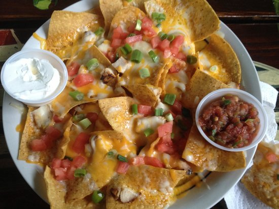 Lobo's Mixed Grill: Grilled chicken nachos