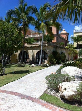 Sanctuary Cap Cana by Playa Hotels & Resorts: Hotel
