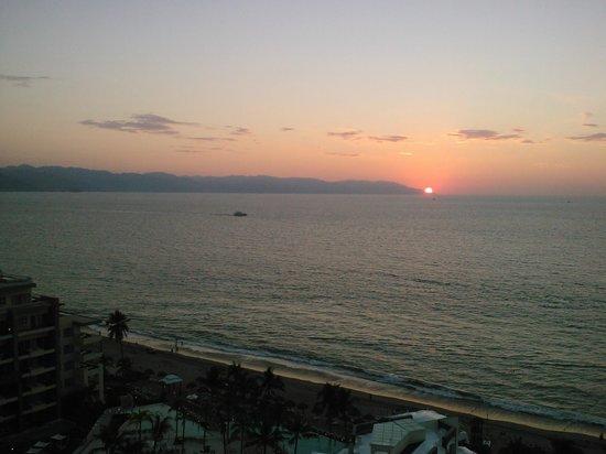 Now Amber Puerto Vallarta: couchez de soleil