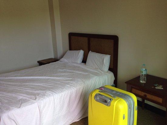 Arwana Hotel & Restaurant: Комната, заявленная как superior