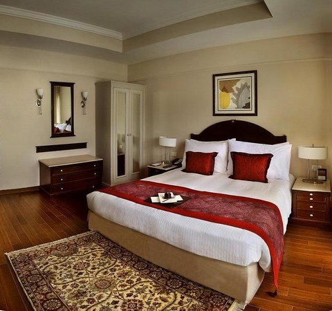 Deluxe Room at The Claridges New Delhi
