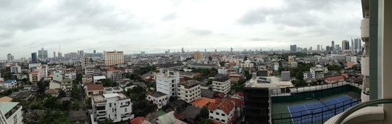 Oaks Bangkok Sathorn: View from the room, floor 12