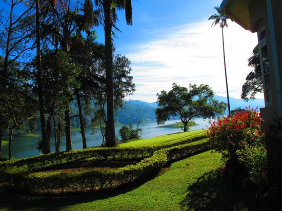 Ceylon Tea Trails: View of the lake from the garden