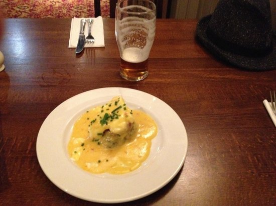 Bulls Head: Bubble and Squeak with chorizo, poached egg and hollandaise sauce