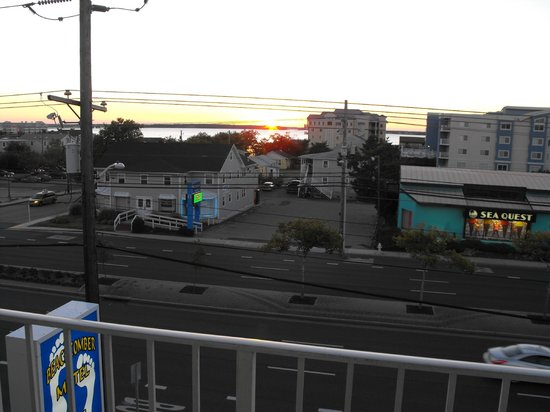 Beachcomber Motel: Beautiful Southern Maryland sunsets!
