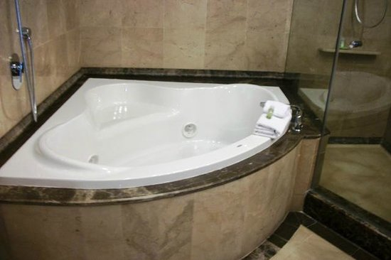 The Westin Camino Real: Awesome Jacuzzi tub in the suite bathroom.  Great bubbles with the body wash.