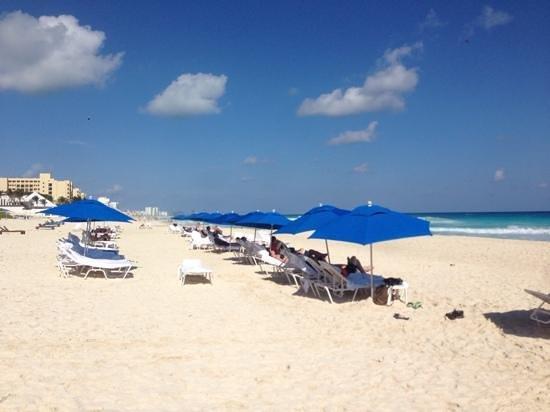 The Ritz-Carlton, Cancun: Great Beach