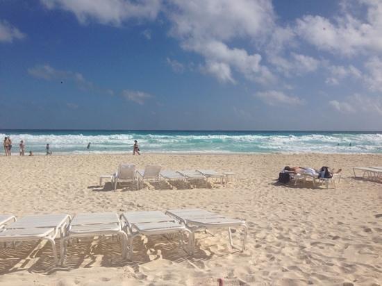The Ritz-Carlton, Cancun: Beach