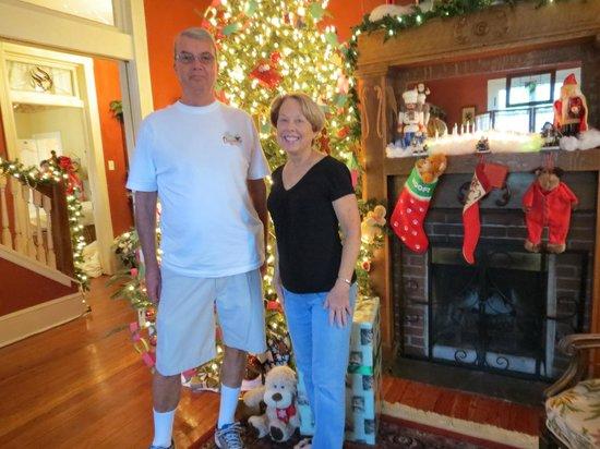 Alexander Homestead: Beatiful parlor - like a Christmas card