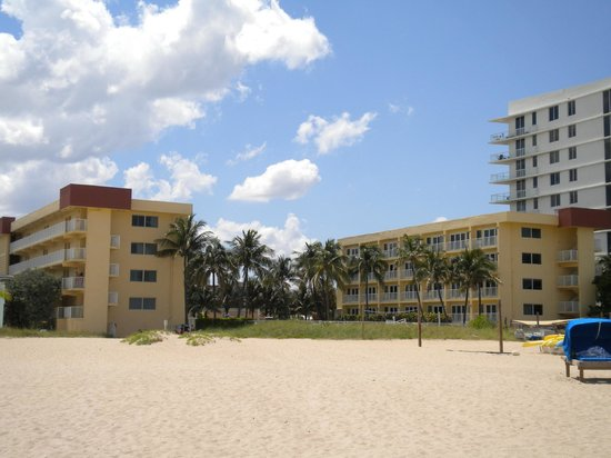 Wyndham Sea Gardens: View from the beach