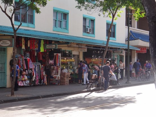Stores picture of chinatown honolulu tripadvisor for Fishing stores oahu