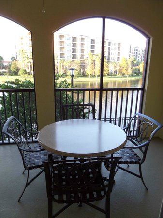 Hilton Grand Vacations at Tuscany Village : balcony from king suite