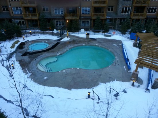 Stoneridge Mountain Resort by CLIQUE: hot tub/heated pool