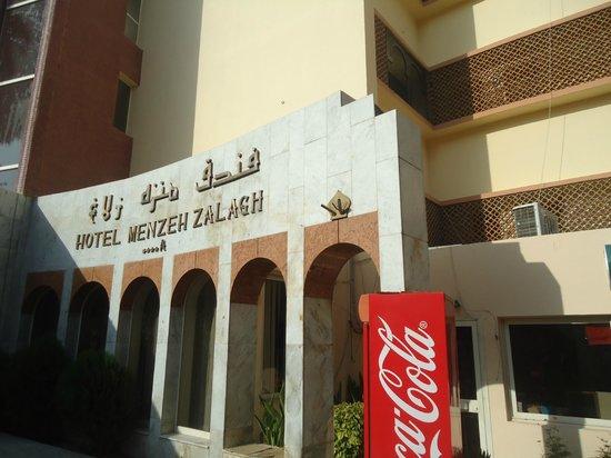 Menzeh Zalagh Hotel: Fachada do Hotel